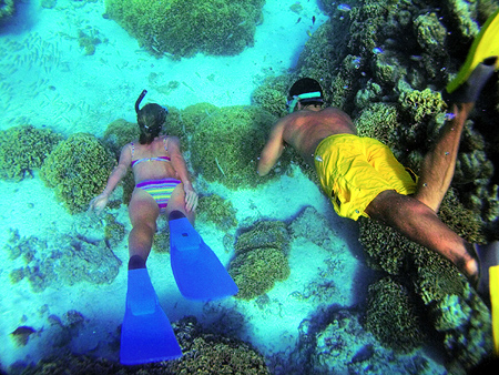 Huahine - Lagoon Cruise and Snorkeling